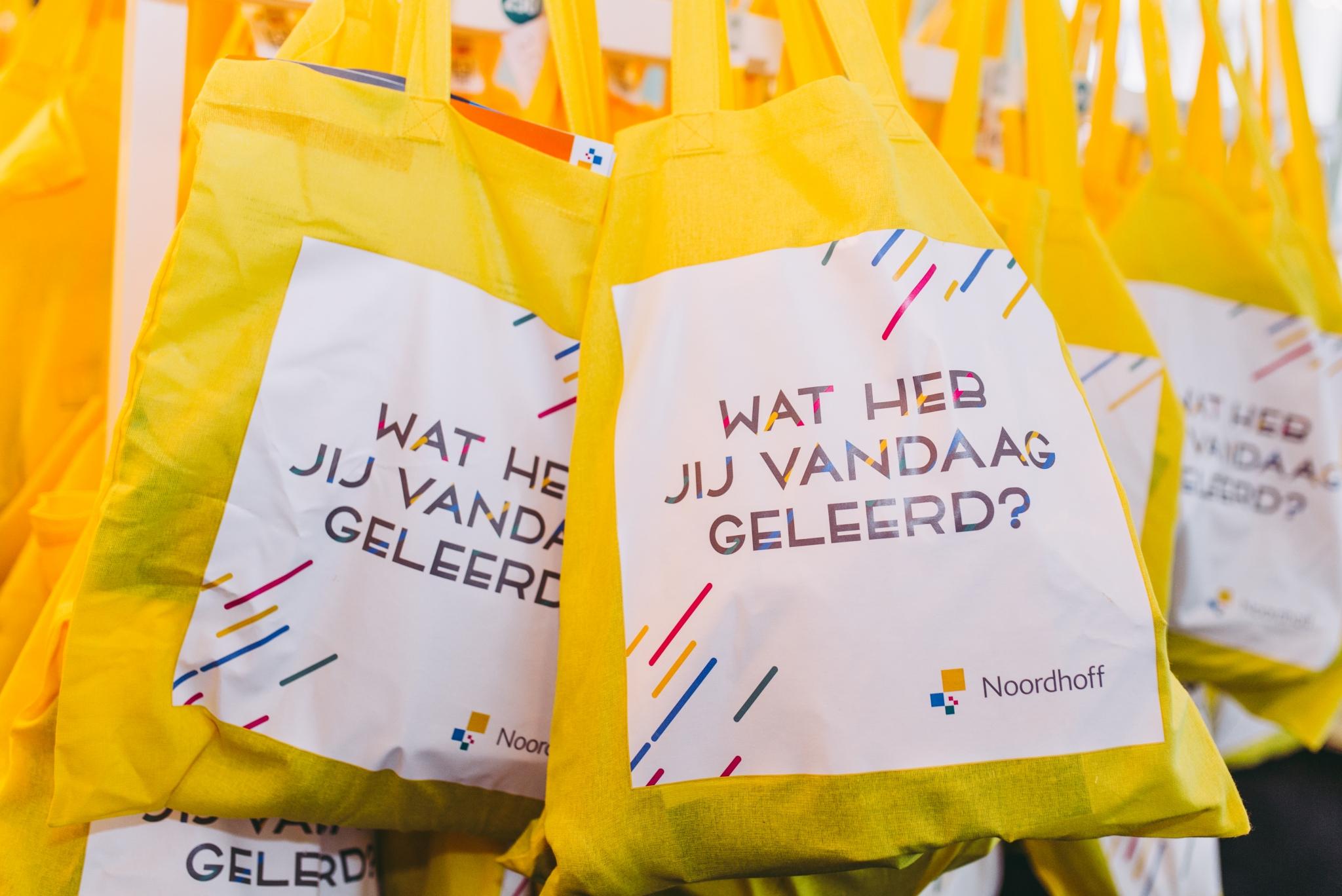 (Nederlands) Werken en leren in het veranderende zorglandschap -  Health Learning Summit Noordhoff Uitgevers